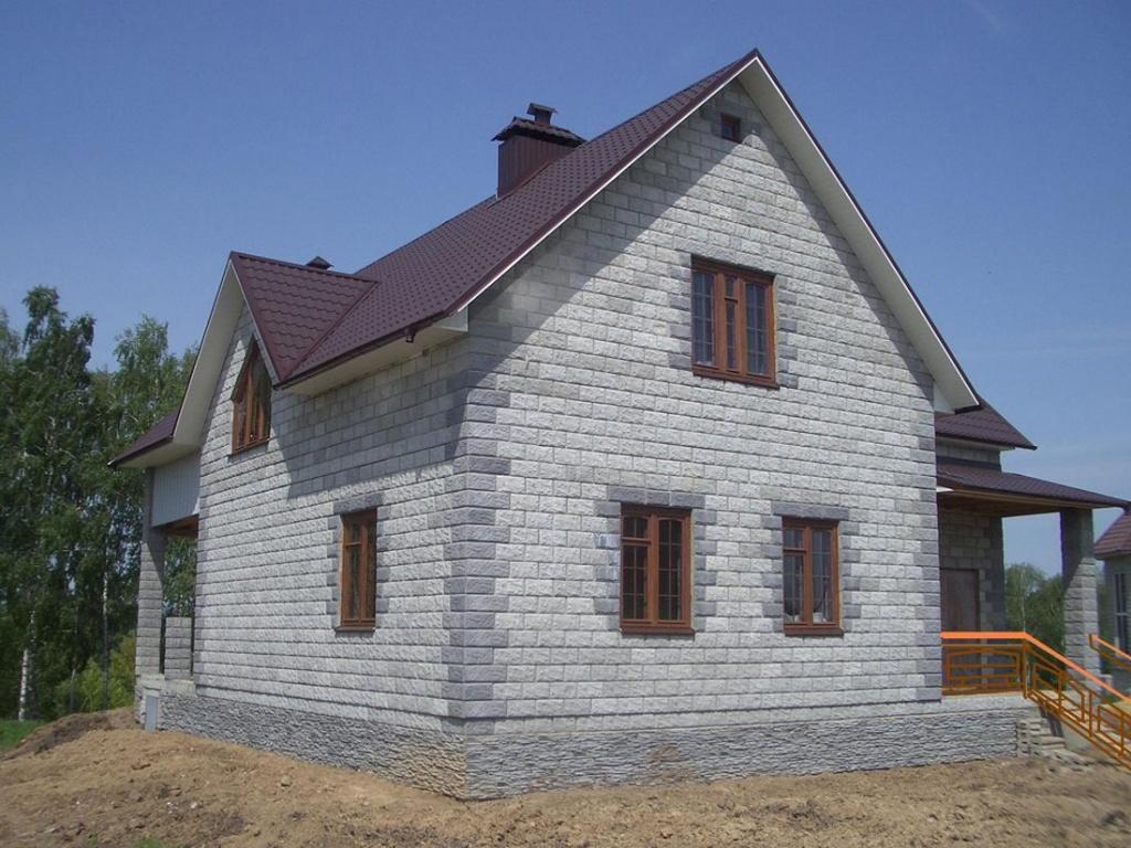 Загородный дом из пеноблоков