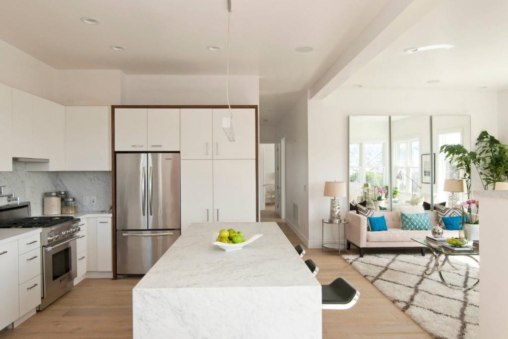 Вариант дизайна квартиры с барной стойкой