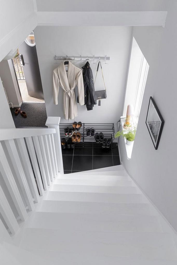 13. Лестница на второй этаж.jpg