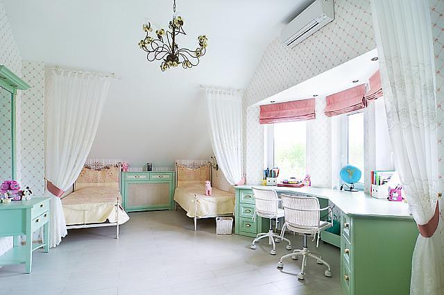Просторная комната для девочек