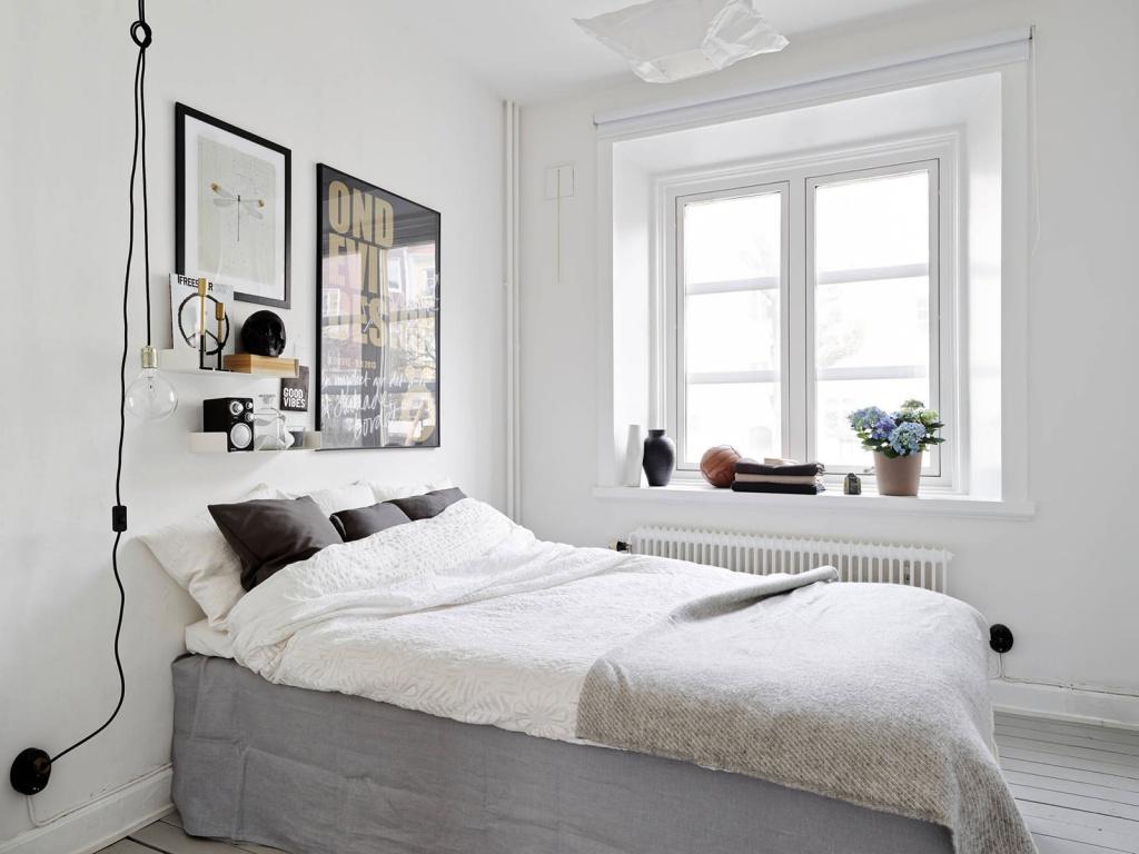 Маленькая спальня в типовой квартире