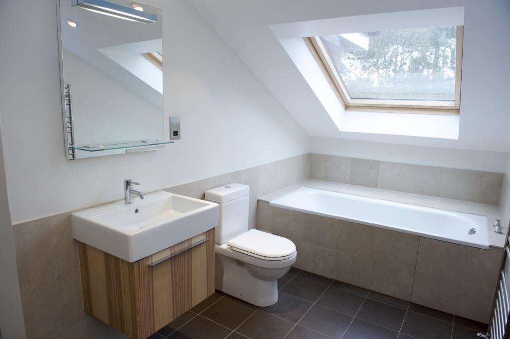 19. Ванная комната в мансарде.jpg