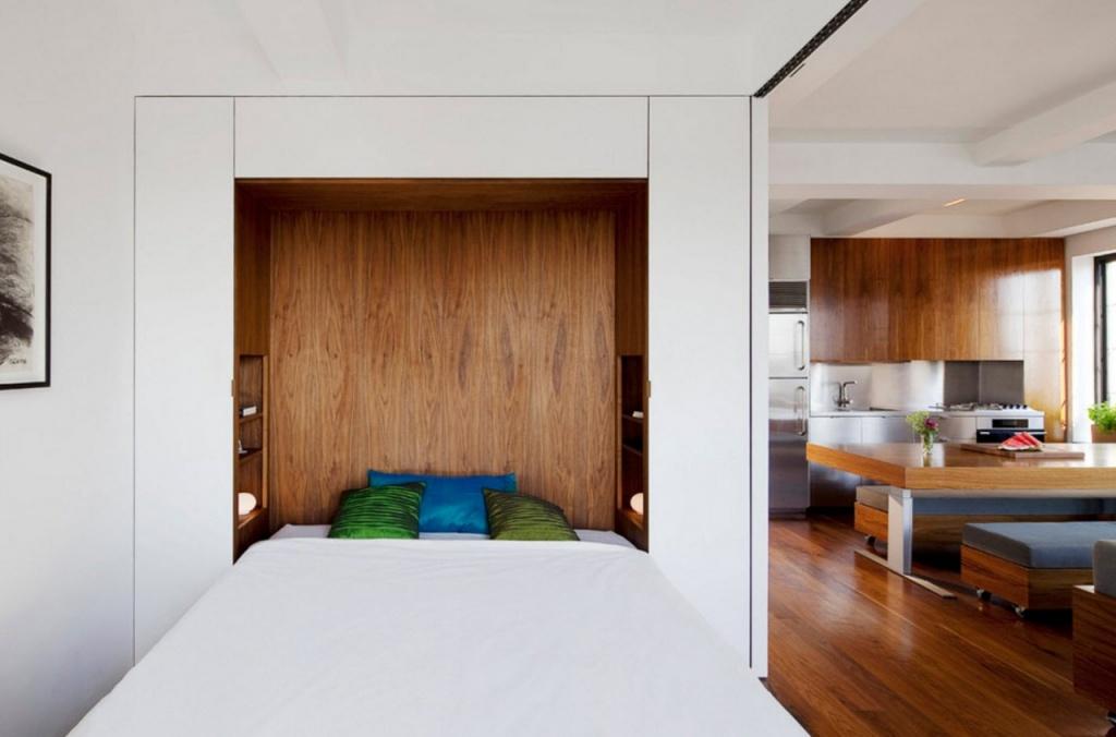 Внутреннее пространство используется как прикроватные тумбы