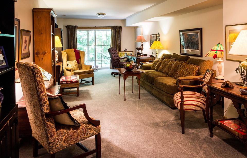 Пример организации в однокомнатной квартире зоны отдыха и рабочей зоны