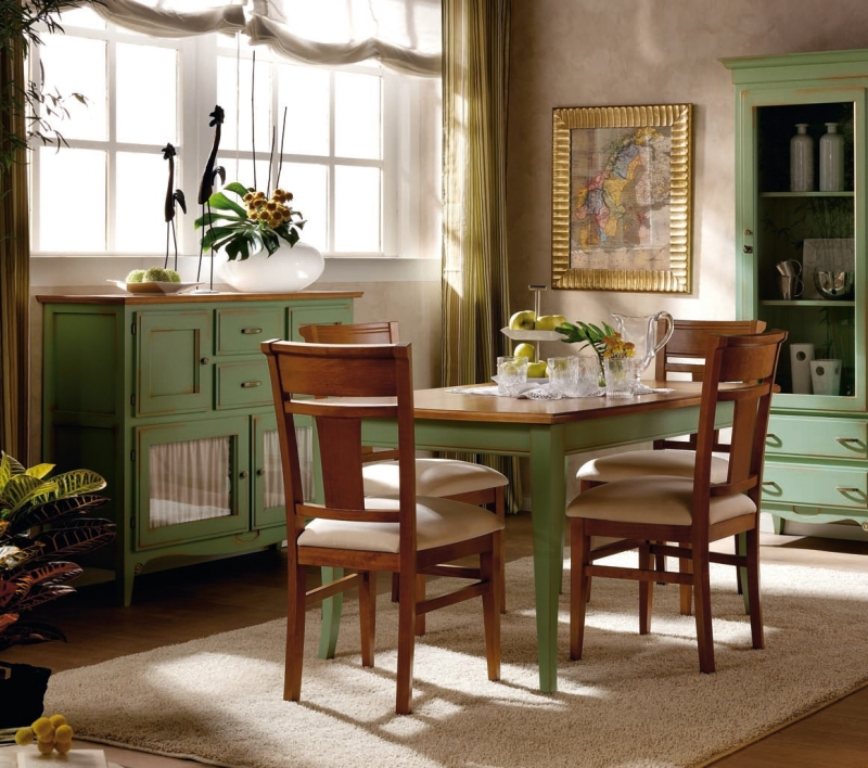 кухня с нарочно состаренной мебелью