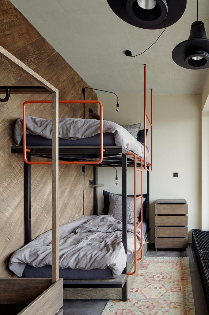 Небольшая стильная спальня подростков