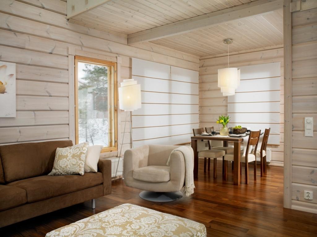 Интерьер уютной гостиной в загородном доме