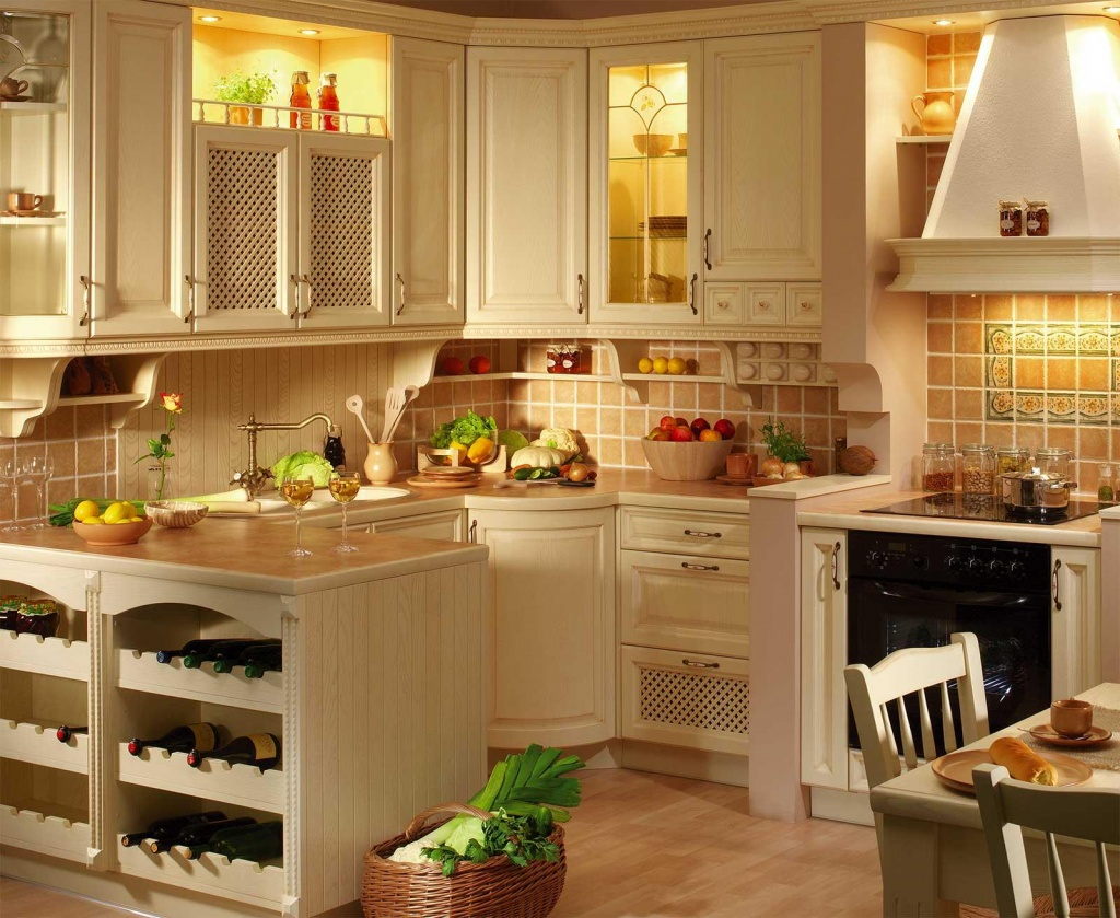 оттенки белого и охры на кухне стиля прованс