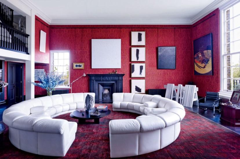 Интерьер далеко не всегда оформляется в классических пастельных оттенках