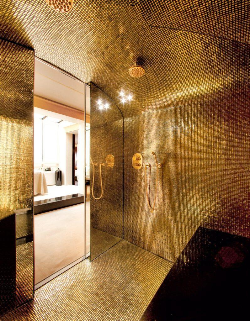 роскошная золотая ванная