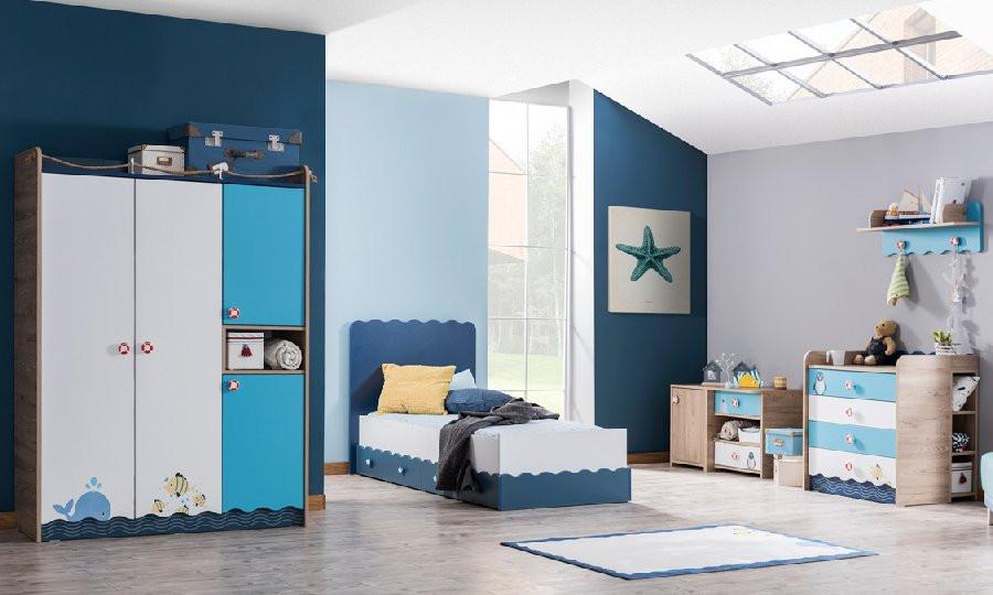яркая детская спальня