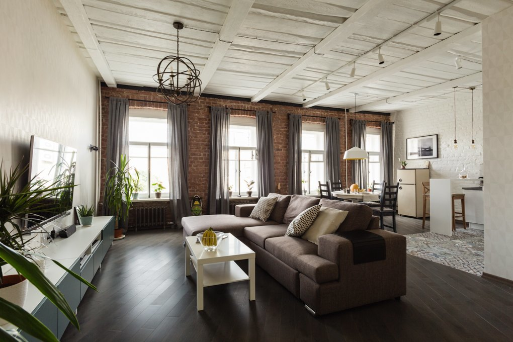 Однокомнатная квартира в стиле лофт: от порога до гостиной